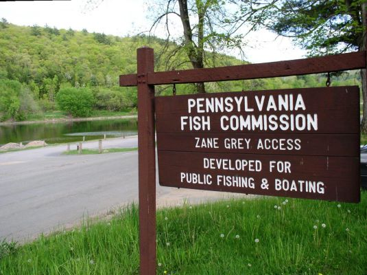 Public Fishing & Boating Access in Lackawaxen